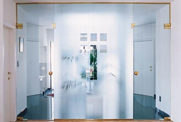 Маятниковый Двери